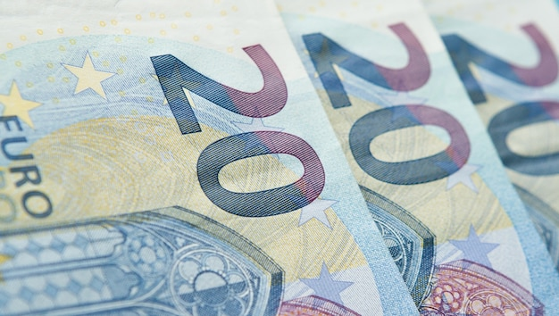 20ユーロの背景の新しい紙幣のクローズアップ