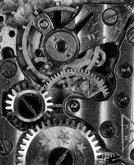 오래 된 기계식 시계의 근접 촬영