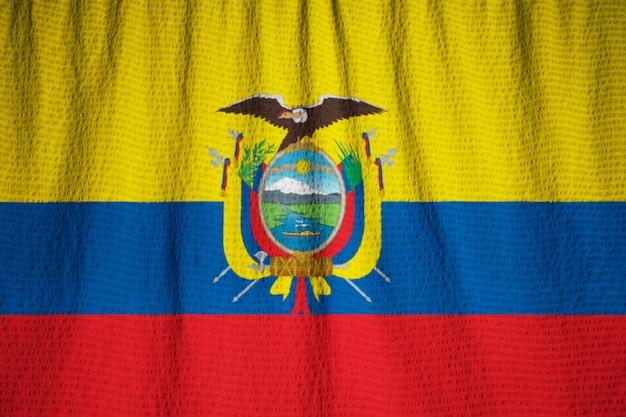 Макрофотография взломанный флаг эквадора, флаг эквадора, дующий в ветру
