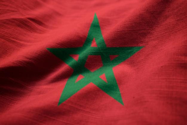 Макрофотография ruffled флаг марокко, марокко флаг, дует в ветре