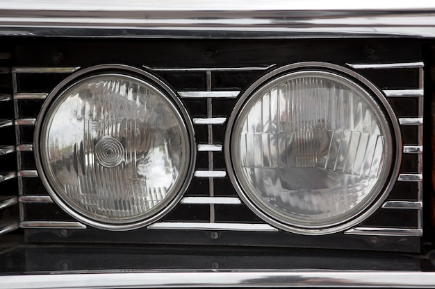 Крупный план фар автомобиля