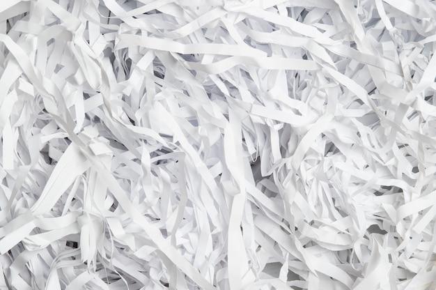 細断された文書用紙のクローズアップ