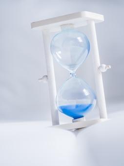 時間、タイム、クローズアップ、砂時計、白、布、テクスチャ