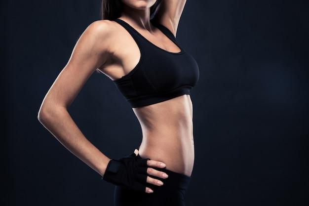 女性の完璧な体のクローズアップの肖像画