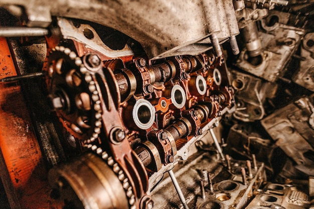 Colpo del primo piano dei dettagli di una vecchia macchina industriale
