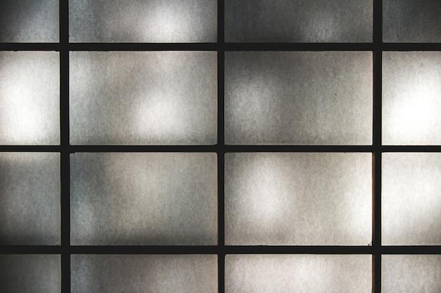 Снимок японской двери седзи с традиционной бумагой васи крупным планом