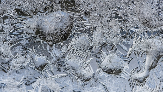 유리에 아름다운 서리 패턴과 텍스처의 근접 촬영 샷
