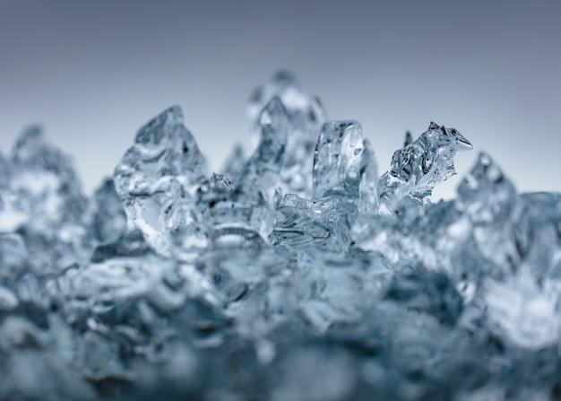 아름 다운 서리가 내린 얼음의 근접 촬영 샷