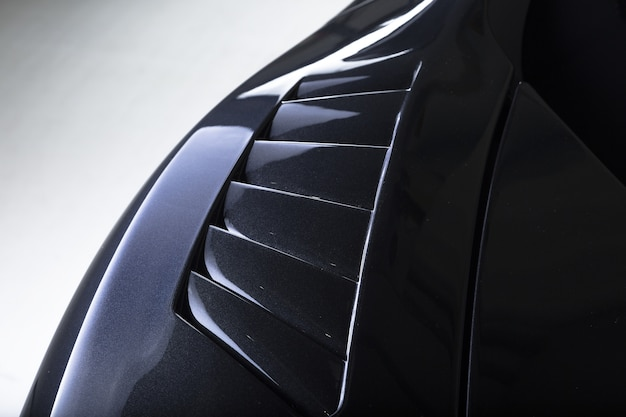 현대 검은 자동차의 외부 세부 사항의 근접 촬영 샷