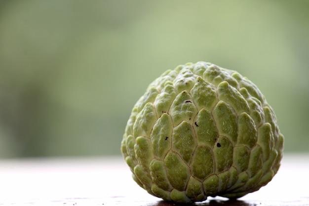 근접 촬영 설탕 사과 과일 annona squamosa 또는 sweetsop 과일