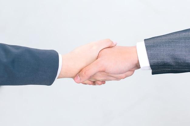 근접 촬영. 악수 비즈니스 파트너입니다. . 파트너십의 개념.