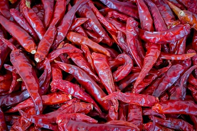 Крупным планом красный сушеный перец чили