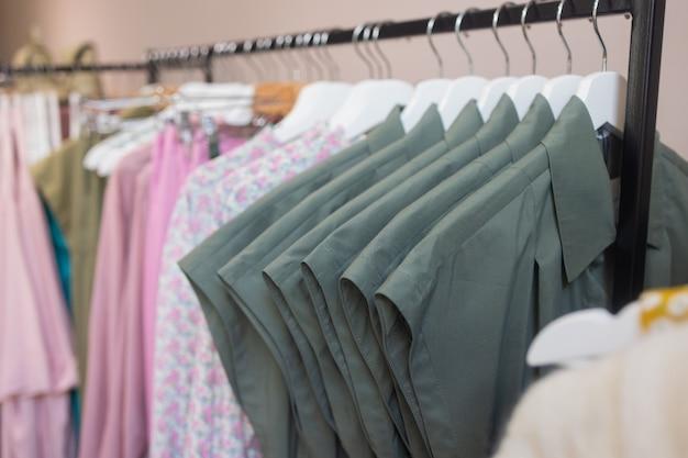 옷 가게 의상 드레스 패션 스토어 스타일 컨셉입니다.