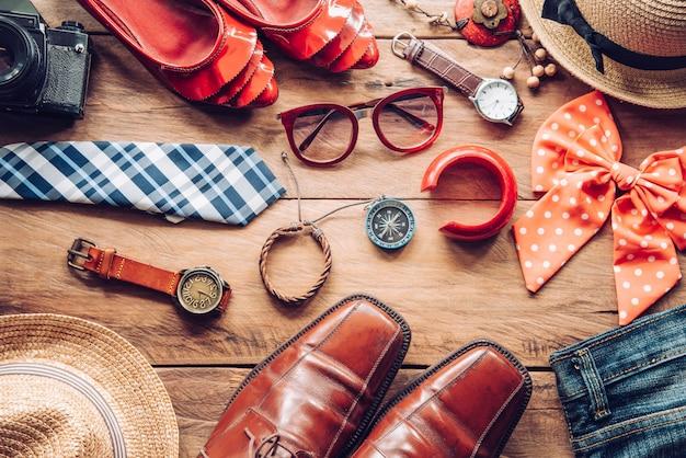 旅行の準備ができている男性と女性のための服とアクセサリー-ライフスタイル