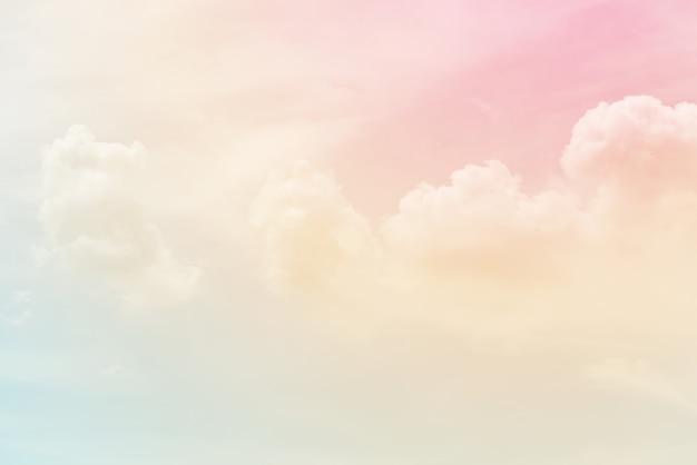 파스텔 색상으로 구름 배경