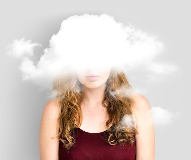 雲に隠されたジレンマうつ病の至福 無料写真