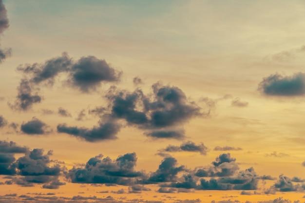 구름과 하늘.
