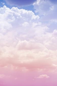 핑크 색상으로 구름 하늘