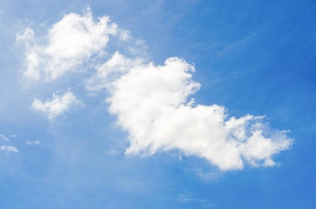 Nube sul cielo