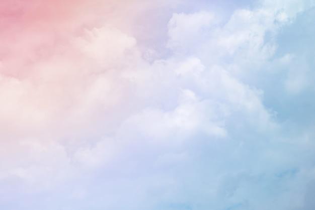 파스텔 색상의 구름