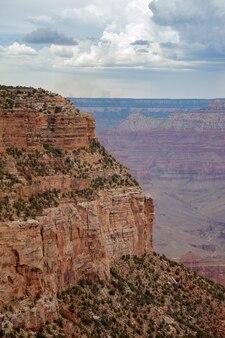 Пасмурный день в гранд-каньоне
