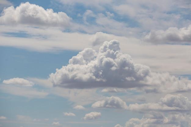 흐린 하늘 풍경 벽지