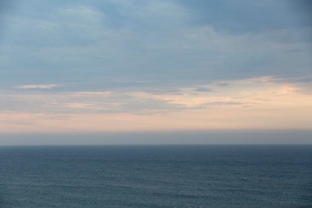 Облачное небо пейзажный фон