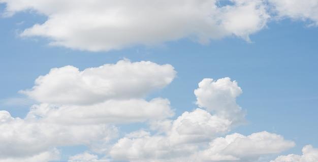 青空の背景のクローン