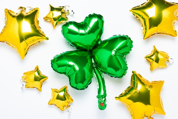 Воздушный шар clover and air золотые воздушные шары в форме звезды на белом