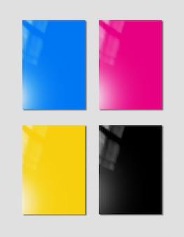 회색 표면에 설정된 cmyk 소책자