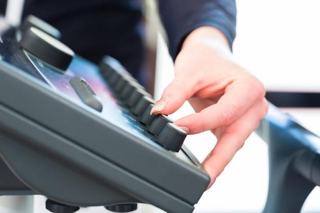 Coach regulating ems machine