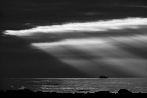 러시아 볼쇼이 솔로베츠키 섬의 백해 해안.
