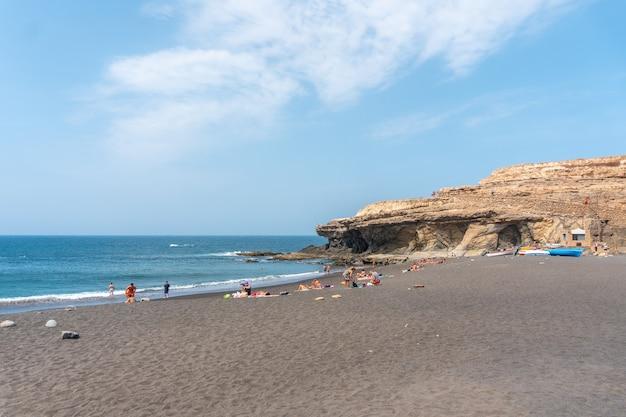 Прибрежный город аджуй недалеко от города пахара, западное побережье острова фуэртевентура, канарские острова. испания
