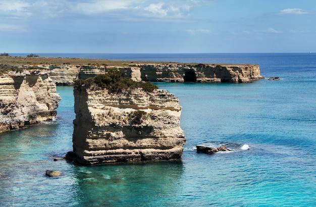 Otranto, salento 반도, puglia, 남쪽 이탈리아 근처 해안선
