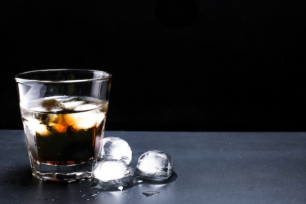 Cocktail whiskey-cola