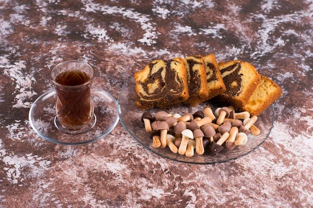 ワッフルとクッキーとココアケーキ