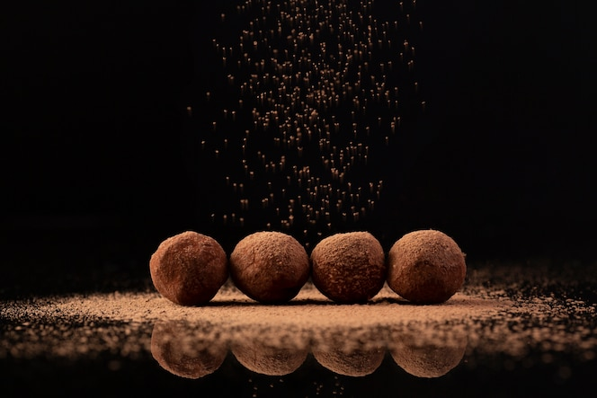 Cocoa sprinkled on truffles