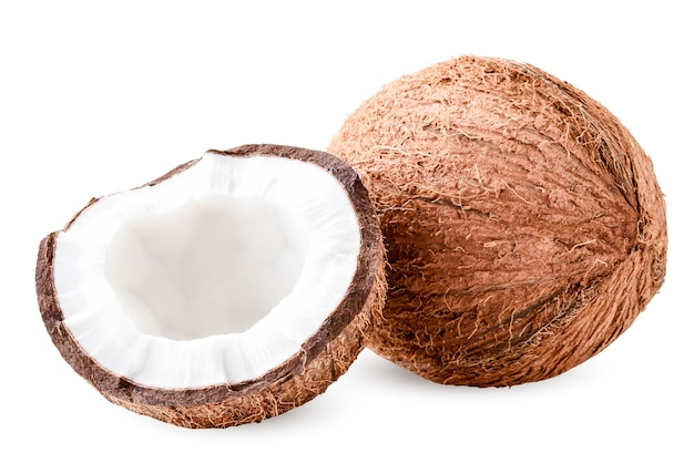 ココナッツと半分の白にパルプのクローズアップ。孤立