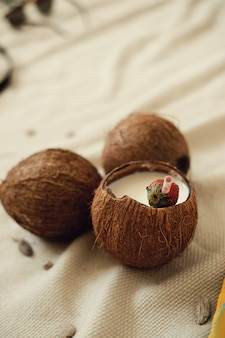 Кокосовый коктейль, концепция летних каникул