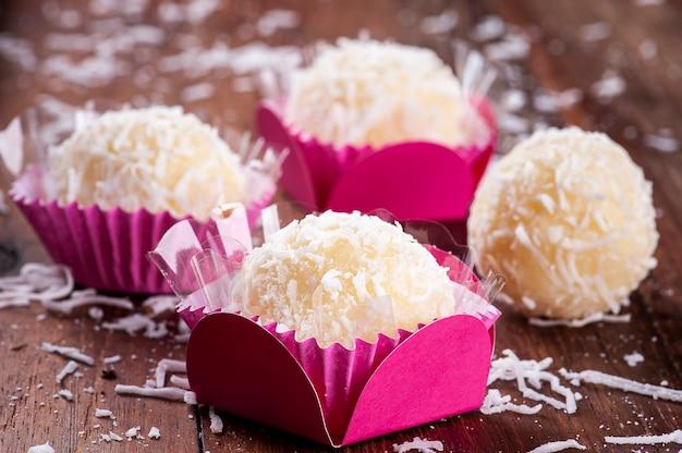 코코넛 미식가 여단. 전형적인 브라질 과자.