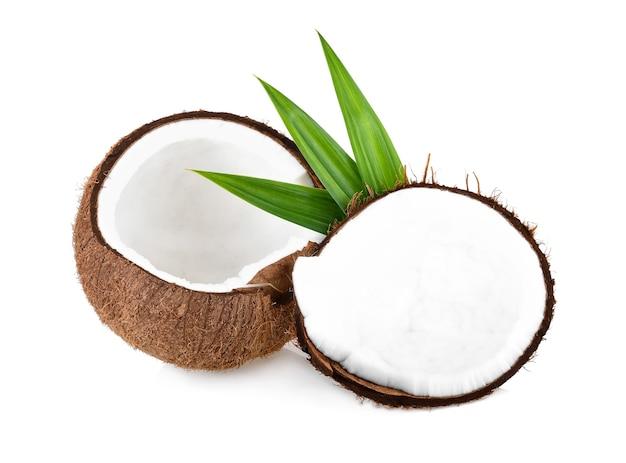 코코넛 반 격리. 코코스 화이트. pandan 잎 코코넛 흰색 배경에서 분리