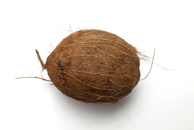 Кокосовый орех изолирован