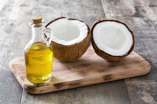木の上のココナッツオイル