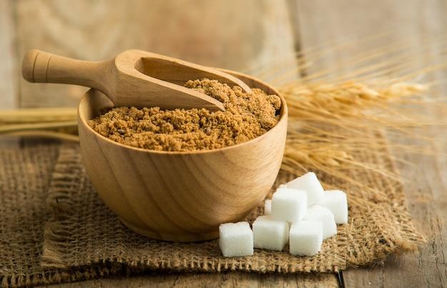 Кокосовая пальма сахар против