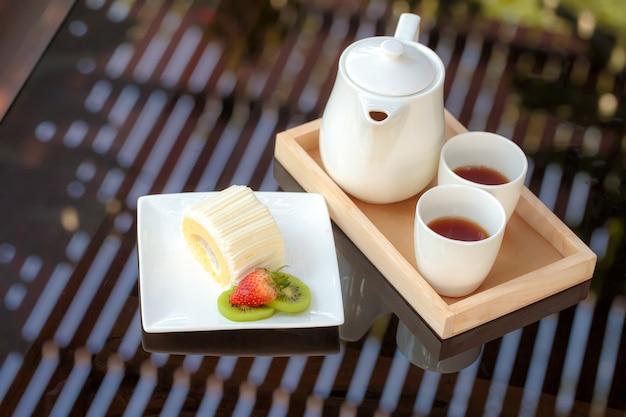Кокосовый торт с послеобеденным чаем