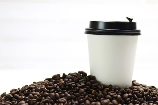 커피 종이컵 콩