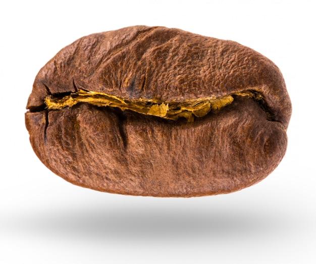 Кофейное зерно изолированное на белой предпосылке с путем клиппирования