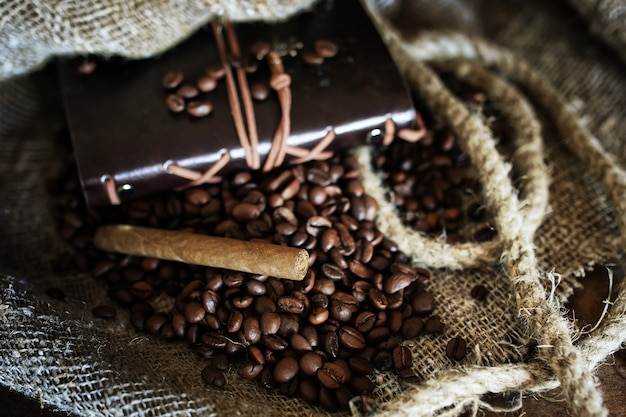 テキスタイルの背景にコーヒー豆