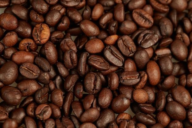 커피 콩 전체 프레임을 닫습니다.