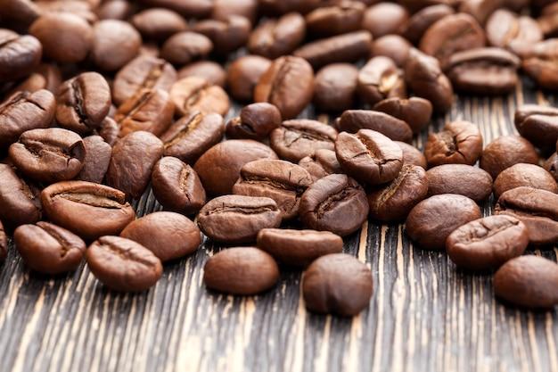 おいしいコーヒーを生産するためのコーヒー豆、生または焙煎した形の芳香性コーヒー豆